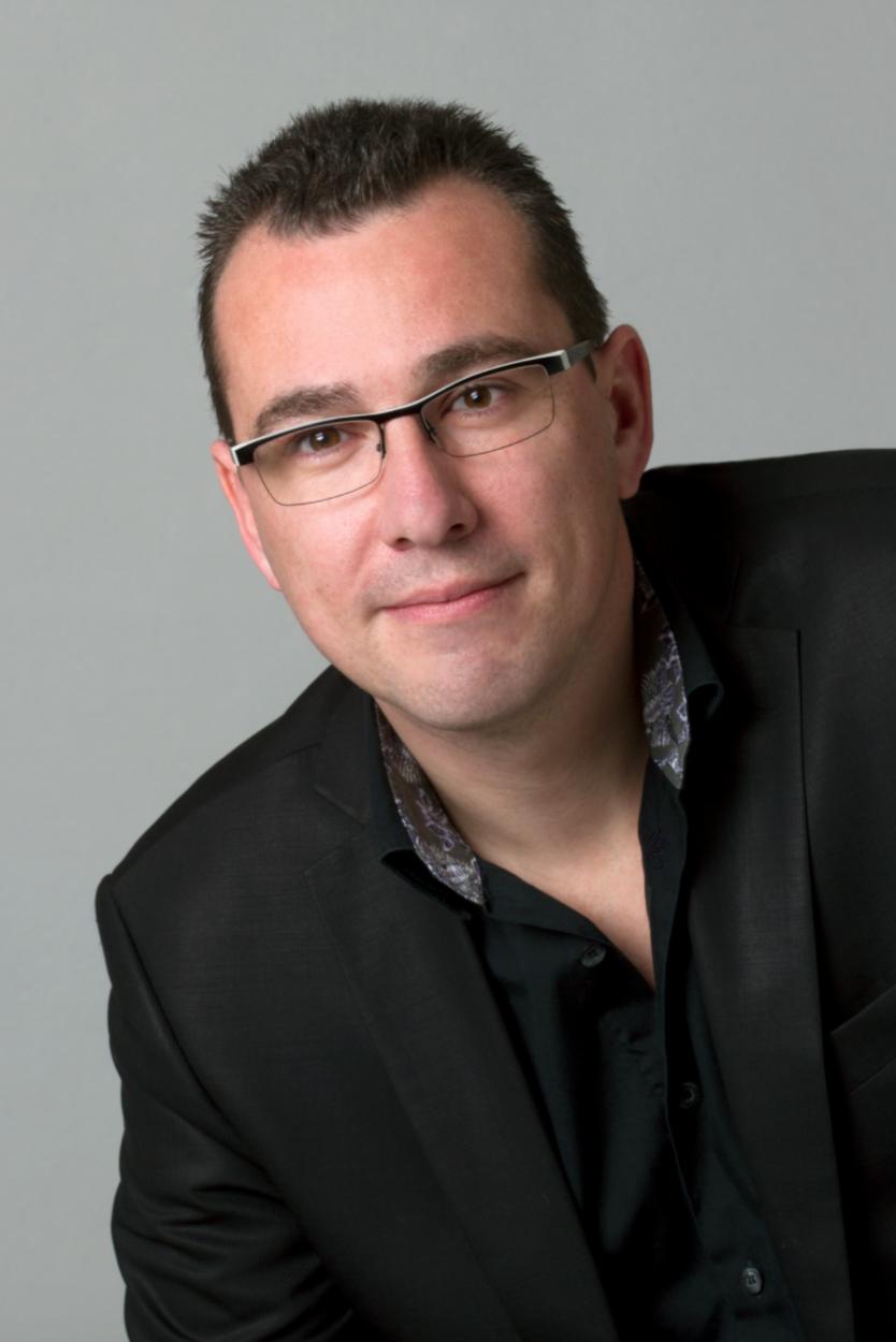 David Cassagne propose un produit d'assurance santé destiné aux expatriés français à partir de son agence, BCC, située à Albufeira